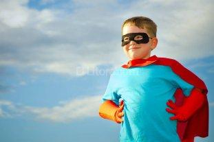 Los bajitos y los superhéroes -