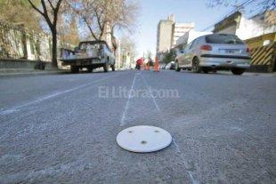 Demarcan los carriles sobre calle Urquiza