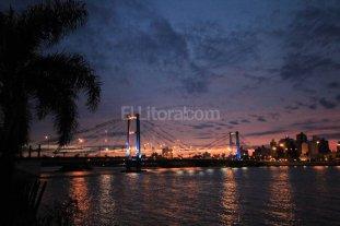 Un nuevo sistema de luces LED de colores iluminar� el Puente Colgante
