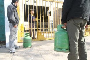 Contin�a la venta de garrafas de gas a 100 pesos