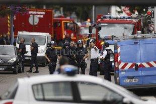 Horror en Francia: tomaron rehenes en una iglesia y asesinan a un sacerdote