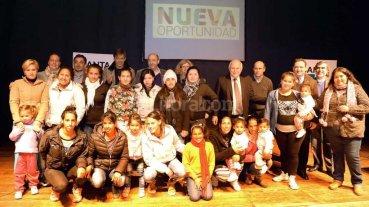 """Lifschitz present� """"Nueva Oportunidad"""""""