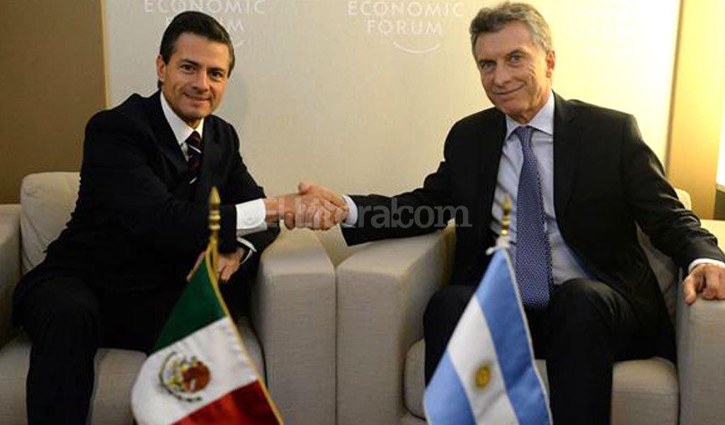 Nieto y Macri se reunieron en el Foro Económico en Davos. Crédito: Archivo