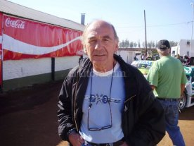 Falleci� el recordado piloto Hugo Vigneti