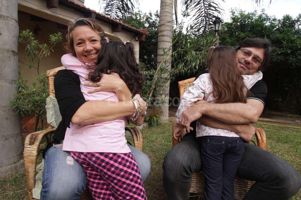 """Los Di Terlizzi, felices. """"Esto es una historia de amor debía terminar como tal"""", coincidió el matrimonio. Crédito: Archivo El Litoral / Guillermo Di Salvatore"""
