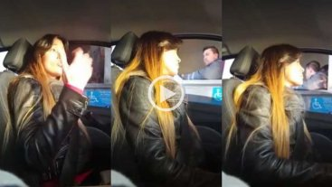 Video: reclam� por los pozos en la autopista y no pag� el peaje