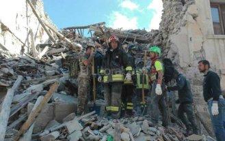 Sube a 38 el n�mero de v�ctimas fatales por el sismo en Italia