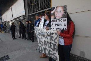 """Marcela Olmedo: """"Voy a seguir reclamando   justicia por Antonella hasta que est�n presos"""""""