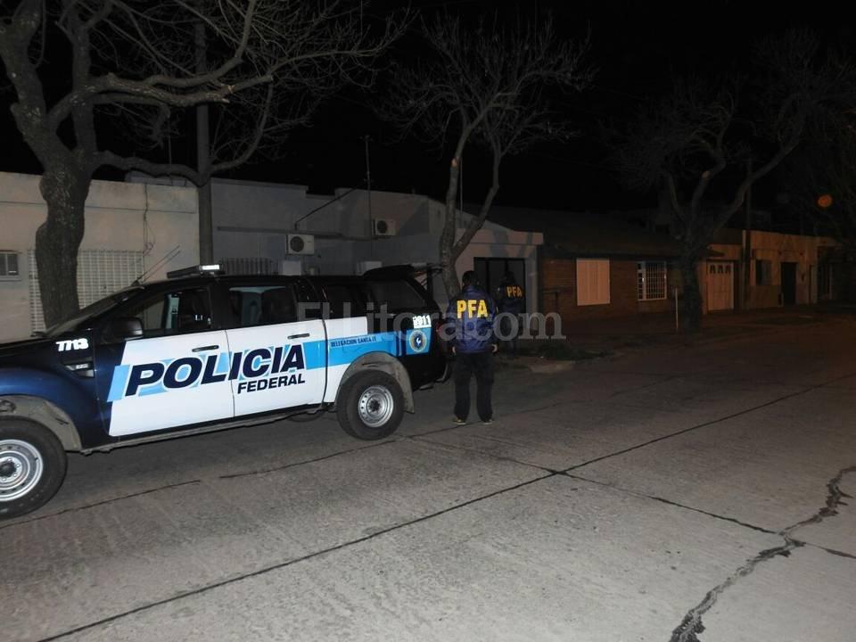 Los dos moradores de la casa fueron identificados e imputados en la causa, pero no quedaron detenidos, por disposición judicial. El Litoral