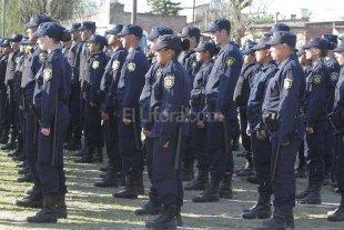 Pagan la primera cuota correspondiente a los uniformes