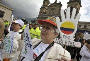 """El gobierno de Colombia y las Farc anunciaron un """"acuerdo final integral y definitivo de paz"""""""