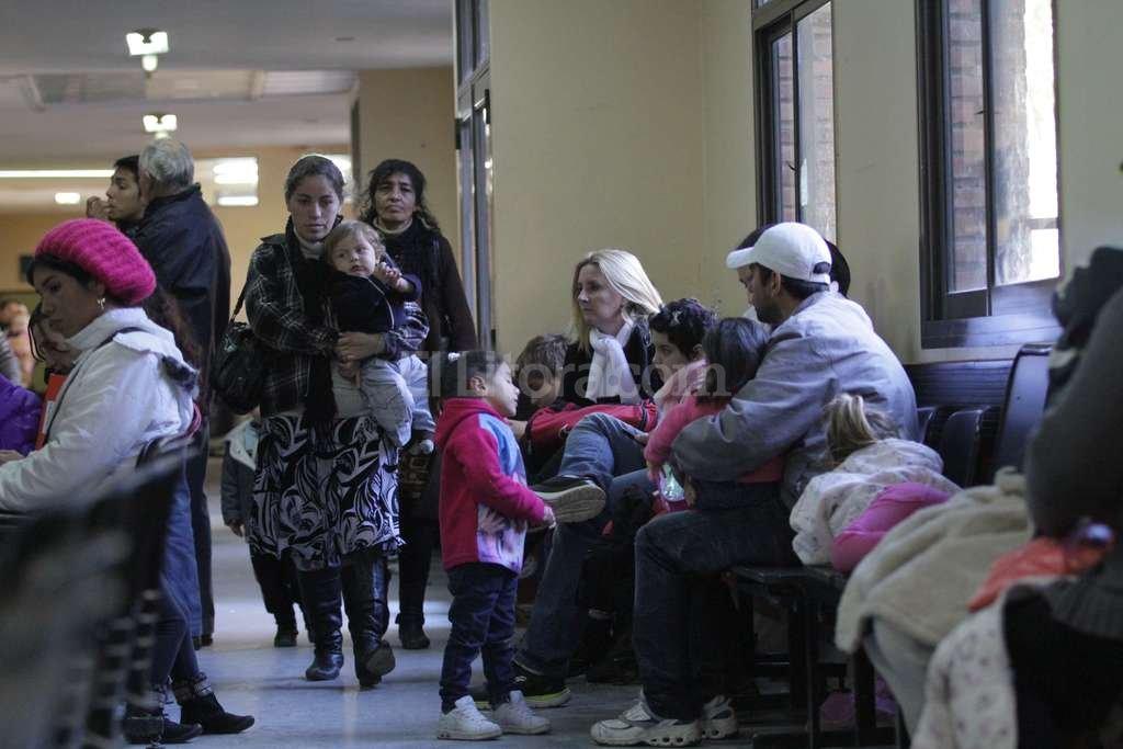 En los picos estacionales del invierno, la guardia del hospital puede recibir m�s de 500 consultas diarias. Archivo El Litoral / Mauricio Gar�n