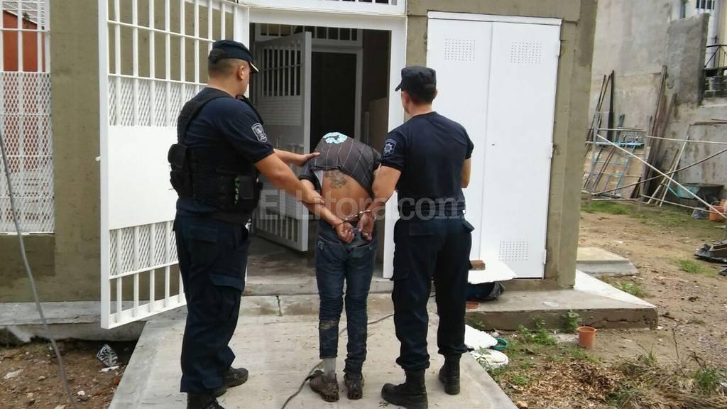 Algunos de los detenidos presentaban pedidos de captura por su comisi�n en distintos delitos. Foto:Archivo El Litoral