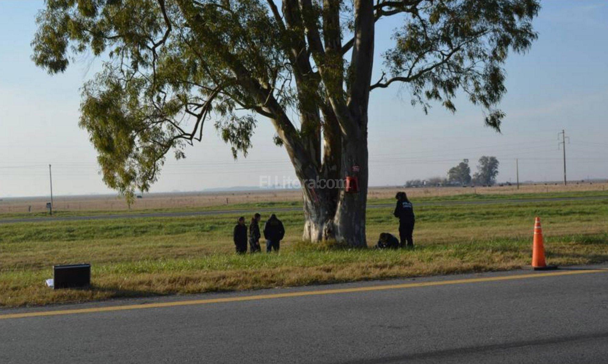 El cad�ver de una mujer fue encontrado calcinado y dentro de una valija a la vera de la ruta 2 cerca de Dolores Foto:DyN