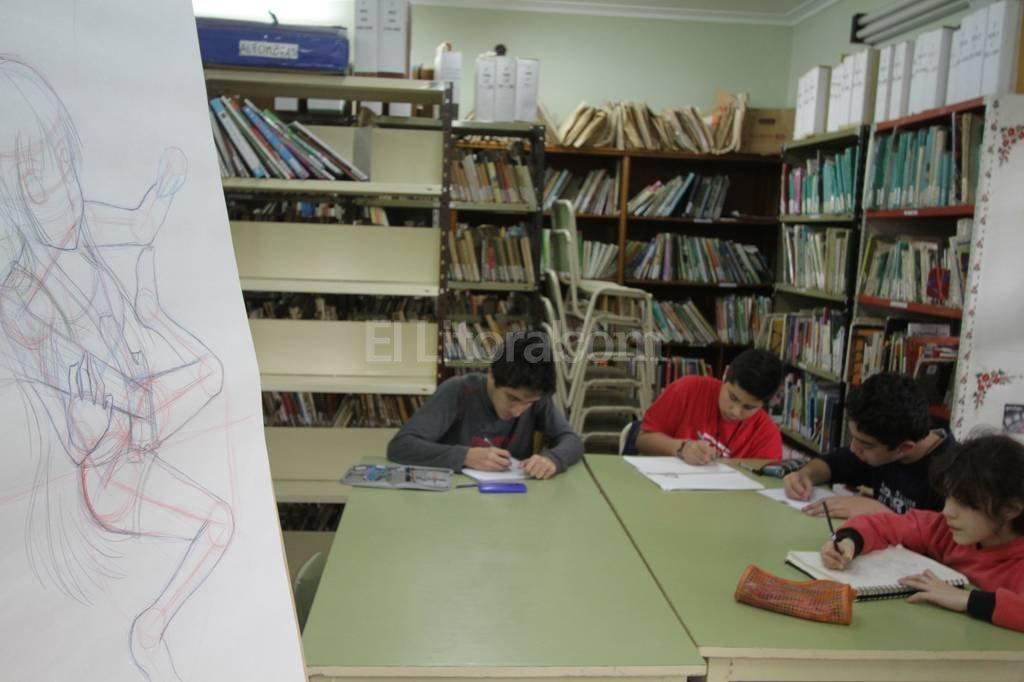 Visitá la exposición de manga que hay en la Pedagógica. ¡Son los trabajos de los chicos y están espectaculares! Luis Cetraro