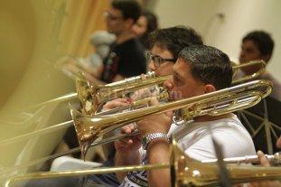Al servicio de la m�sica: los polic�as que tocan piezas sinf�nicas y tango