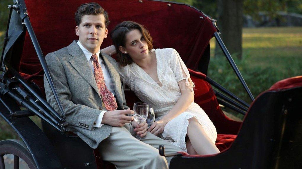 """Eisenberg, que ya trabajó con Allen en """"A Roma con amor"""", retoma el vínculo actoral con Stewart, que habían experimentado en """"Adventureland"""" de Greg Mottola. Foto:Gentileza Lionsgate"""