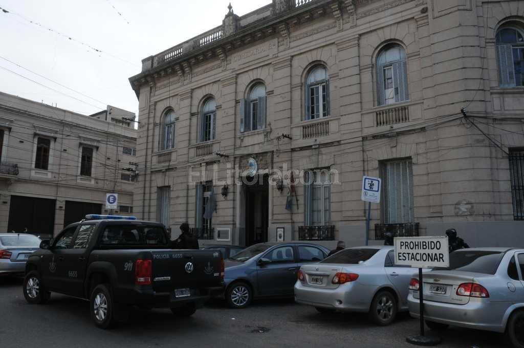 Los detenidos fueron trasladados a la Seccional Primera Foto:Guillermo Di Salvatore
