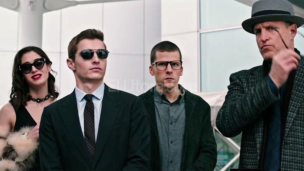 Lula May (Lizzy Caplan), Jack Wilder (Dave Franco), J. Daniel Atlas (Jesse Eisenberg) y Merritt Mc Kinney (Woody Harrelson): los Cuatro Jinetes listos para robar por encargo de un villano que los tiene a su merced. Crédito: Gentileza Lionsgate