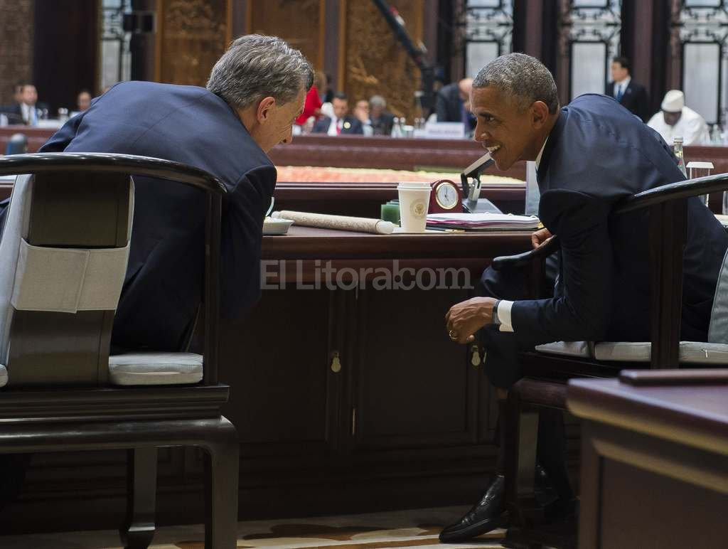 El presidente Macri dialoga con Barack Obama durante la cumbre del G20 en China. Foto:DyN