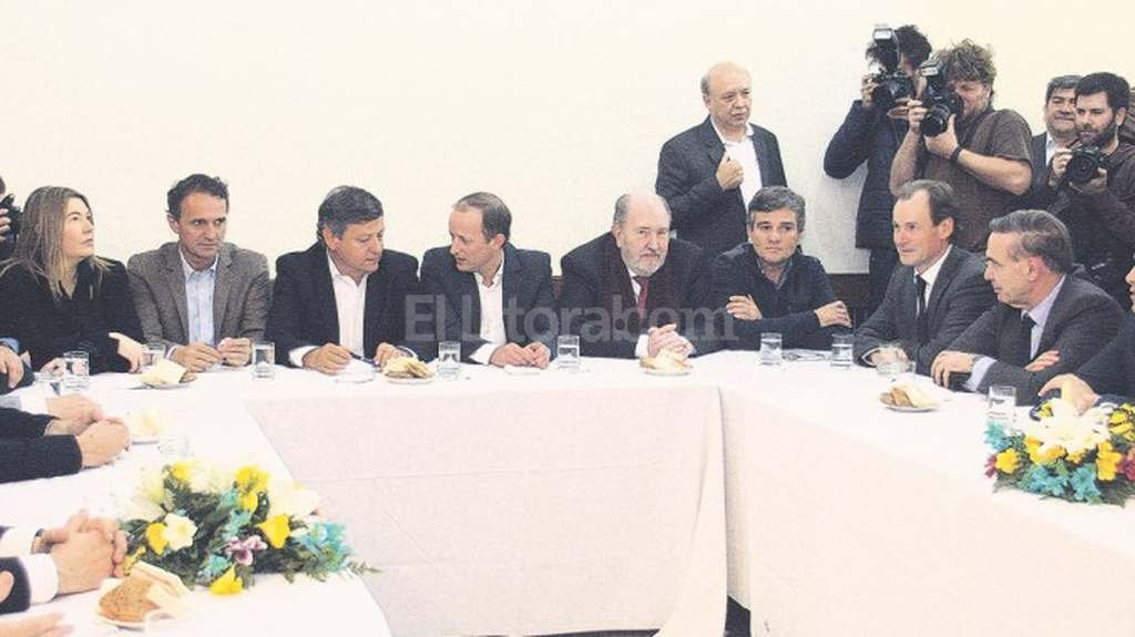 Los dirigentes peronistas estuvieron reunidos la semana pasada en la Casa del Chaco. Foto:www.primerplanoonline.com.ar