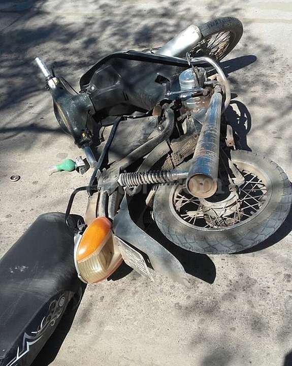 En Ceres, un automovilista abri� la puerta de su auto estacionado y provoc� un accidente de tr�nsito en el que una joven de 15 a�os result� con graves lesiones. Foto:El Litoral