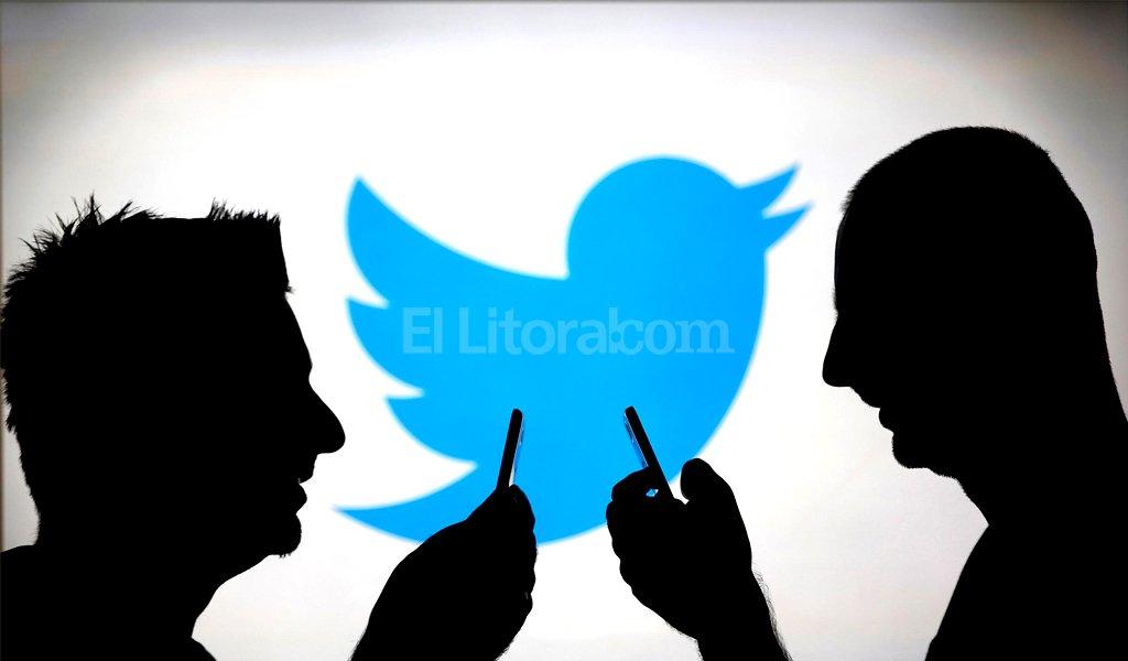 La red social de microbloging se copia de WhatsApp Foto:Internet