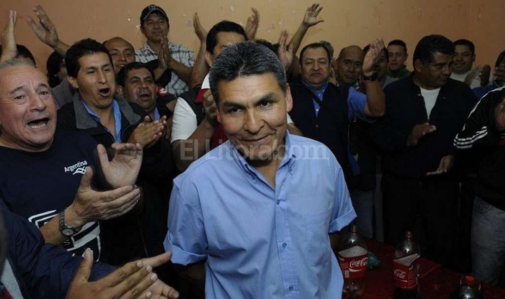 Jorge Flores, secretario general de UTA Salta, estuvo entre los rehenes. Foto:Captura digital - El Tribuno de Salta