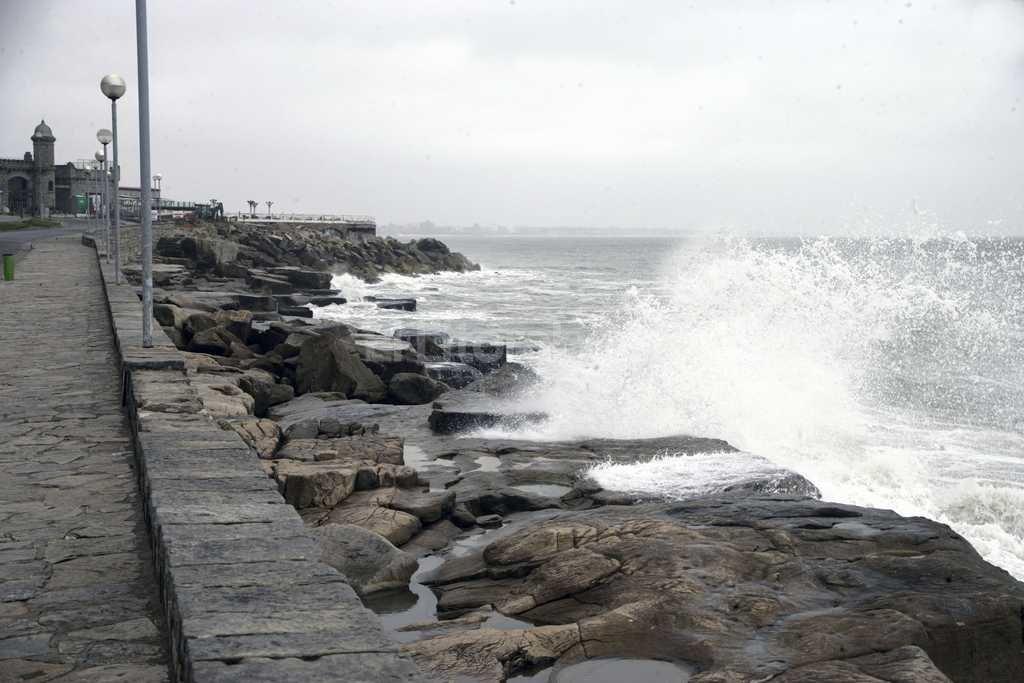 Fuerte temporal en Mar del Plata Foto:T�lam