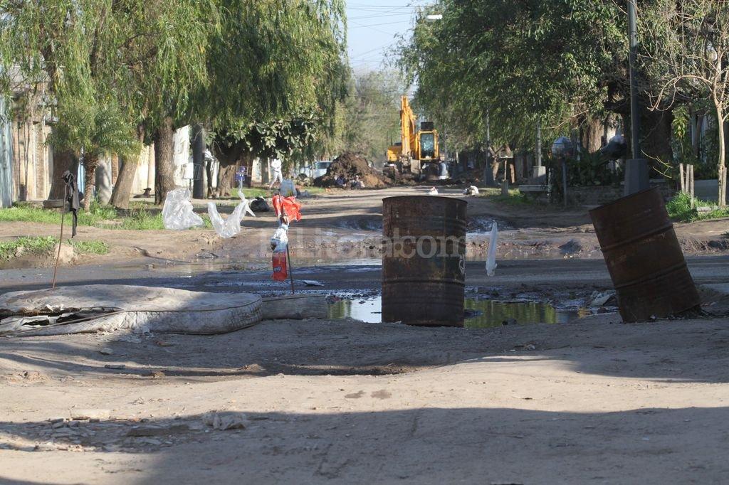 Las tareas de infraestructura incluyen el mejorado de calles, cordón cuneta y desagües. Archivo El Litoral