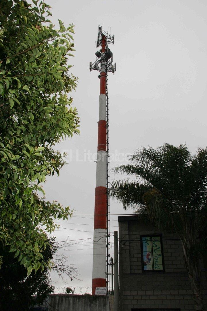 Radiofrecuencia. �A m�s antenas, menos radiaci�n�, destac� el gerente ejecutivo de Enacom, Agust�n Garz�n. Foto:Archivo El Litoral
