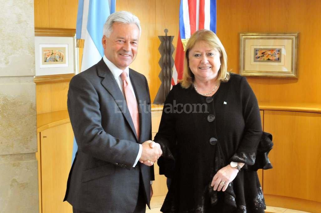 Cruces por los acuerdos con Londres — Malvinas