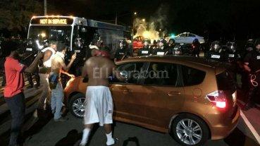 EEUU: Polic�as heridos por nuevas protestas raciales
