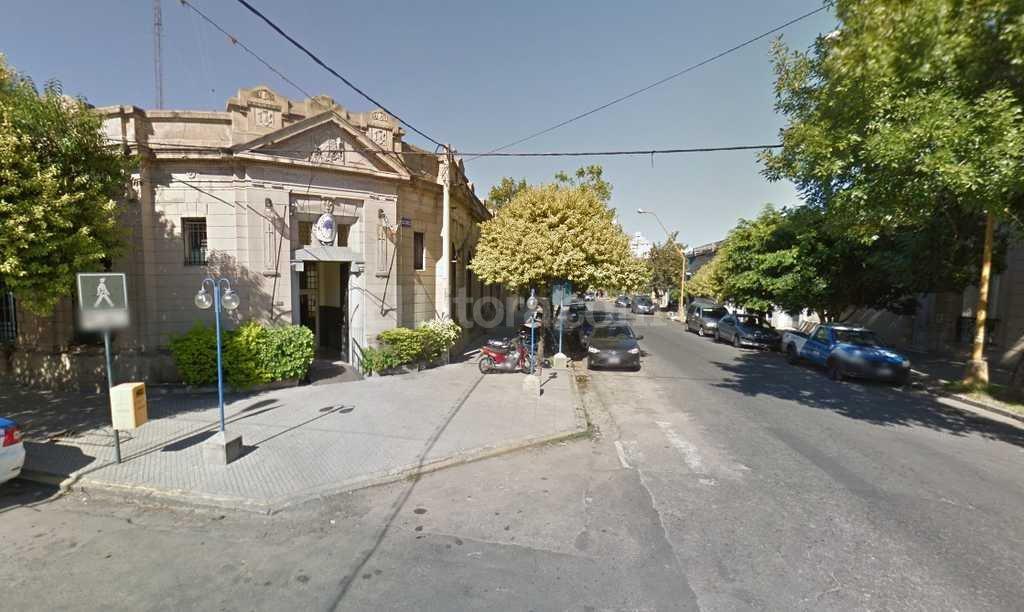 El delincuente que atac� a la jubilada termin� detenido en la Seccional 3era Foto:Captura de Pantalla - Google Street View