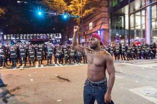 """""""Toque de queda"""" y tensi�n en las calles de Charlotte"""