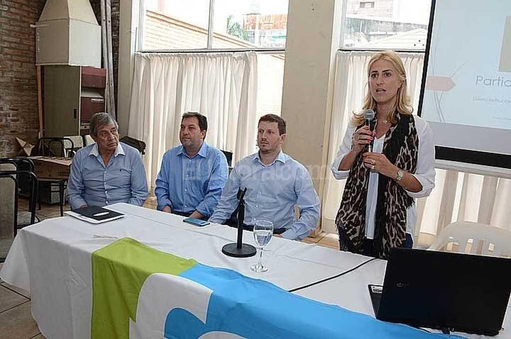La diputada provincial Cesira Arcando present� los programas de empleo del Ministerio de Trabajo de la Naci�n. Foto:Gentileza