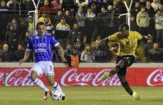 Olimpo abri� la fecha con una goleada ante Godoy Cruz