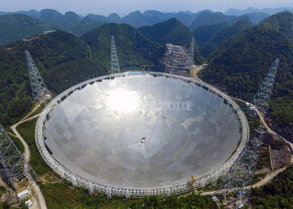 Funciona en China mayor radiotelescopio del mundo