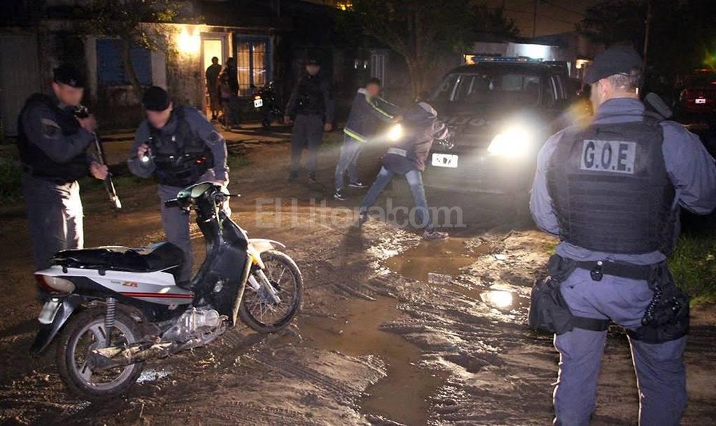 Las fuerzas de seguridad desplegaron la actividad en las calles de Santa Fe y Santo Tom�. Foto:Gentileza Ministerio de Seguridad