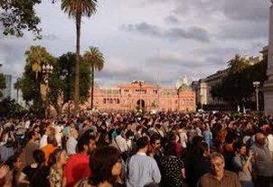Organizaciones sociales instalar�n 400 carpas en Plaza de Mayo