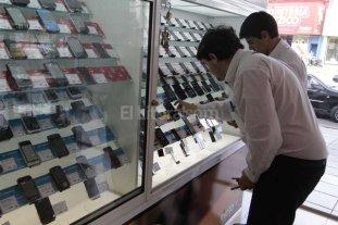 Buscan controlar el comercio minorista de telefon�a m�vil