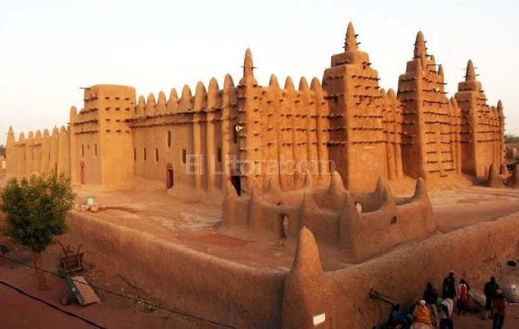 Corte condena a radical musulmán por destrucción mausoleos