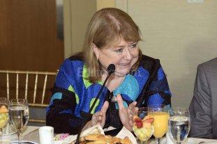 """El gobierno argentino ratifica su """"cercan�a"""" a Hillary Clinton"""