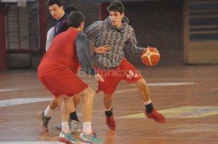 B�squet: Uni�n gan� un amistoso ante Hurac�n de San Javier