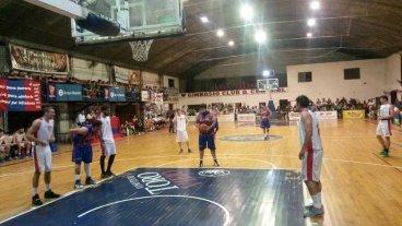 B�squet: Uni�n cerr� el torneo amistoso con otra victoria