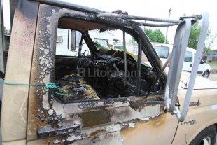Quemacoches atacaron un cami�n en barrio San Lorenzo