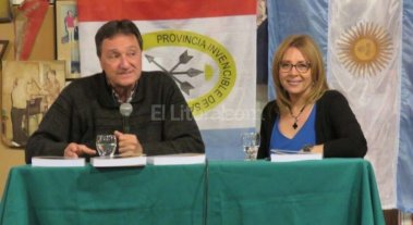 """Omar Fiordelmondo present� su Manual en el """"El Quincho de Chiquito"""""""