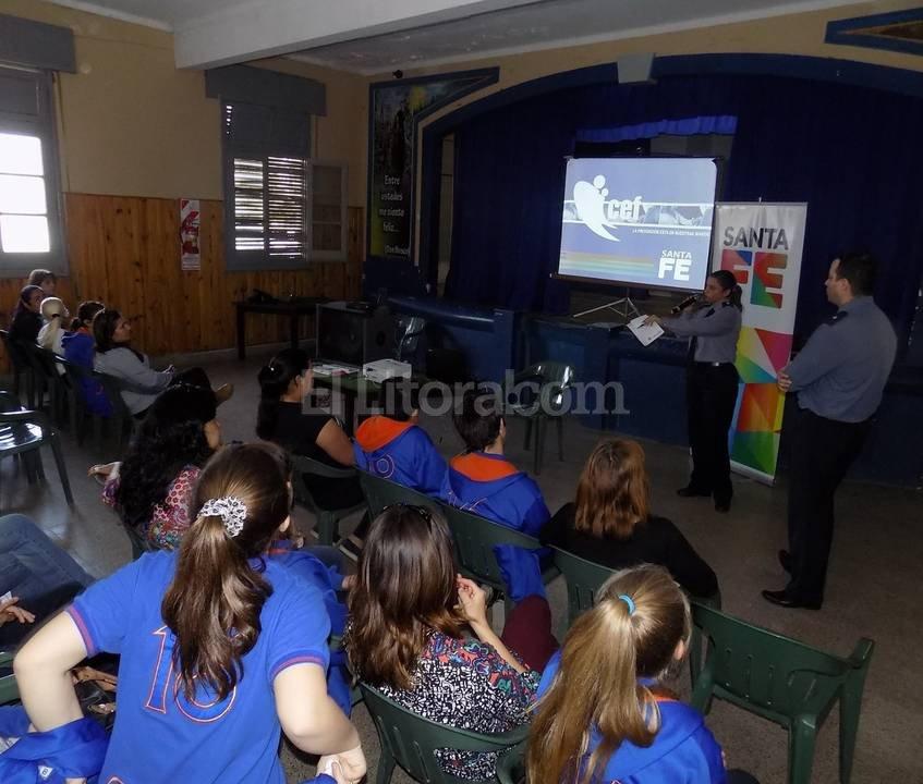 Un momento de la charla brindada en el colegio Don Bosco. Foto:El Litoral