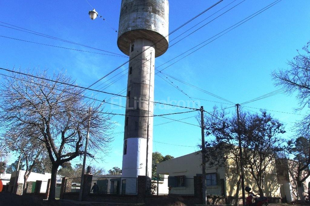 Actualmente la cooperativa brinda el servicio de red a una parte de la ciudad de Rinc�n. Con el acueducto podr� llegar hasta Villa California, Colastin� Norte y Arroyo Leyes. Archivo El Litoral