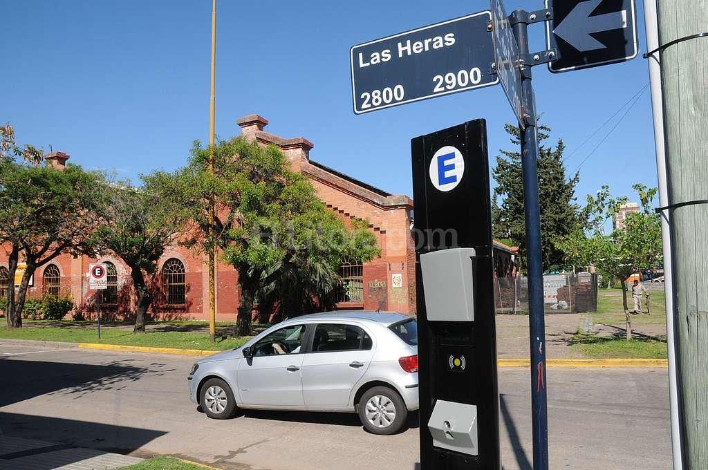 Parqu�metros. Se viene un aumento en el sistema de estacionamiento medido de la capital provincial. Foto:Flavio Raina